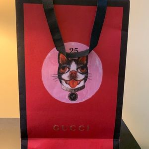 100%Authentic Gucci Paper gift Bag